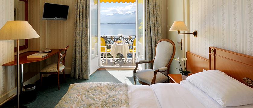 Hotel Rene Capt, Montreux, Switzerland - double bedroom with balcony.jpg